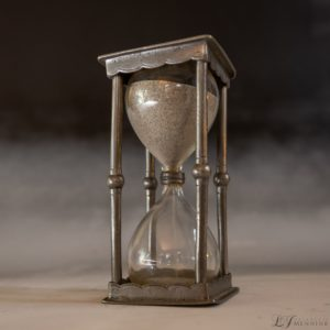 tin hourglass
